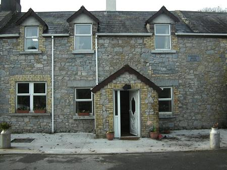 1650 Farmhouse photo