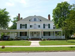 Colonial Revival photo