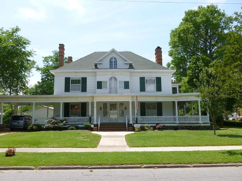 C 1900 Colonial Revival In Hertford North Carolina