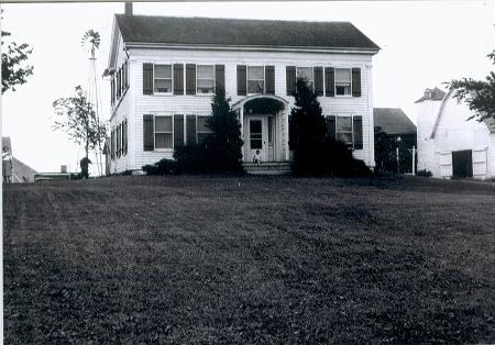 1920 Farmhouse photo