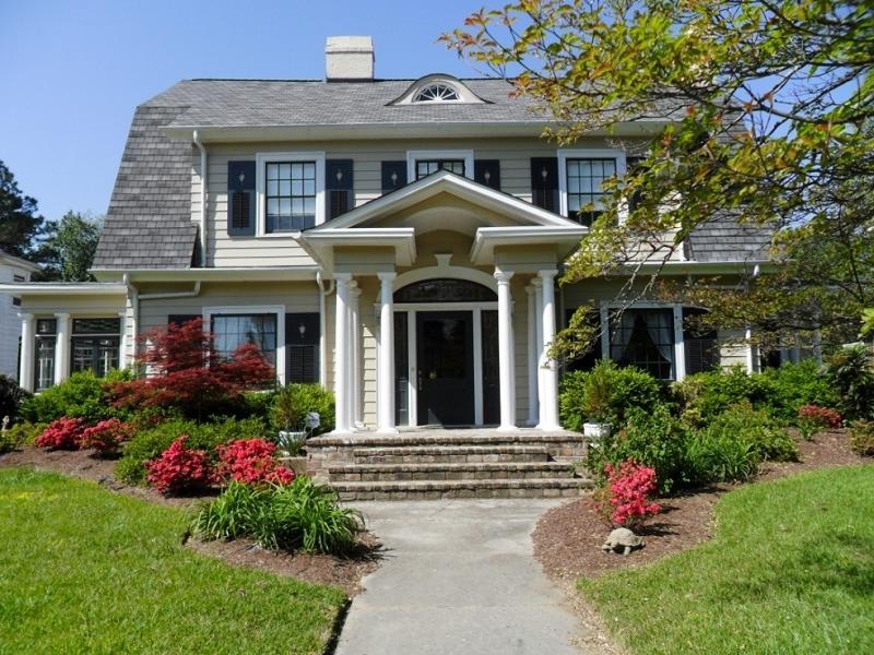 c. 1920 Dutch Colonial in Wilson, North Carolina - OldHouses.com