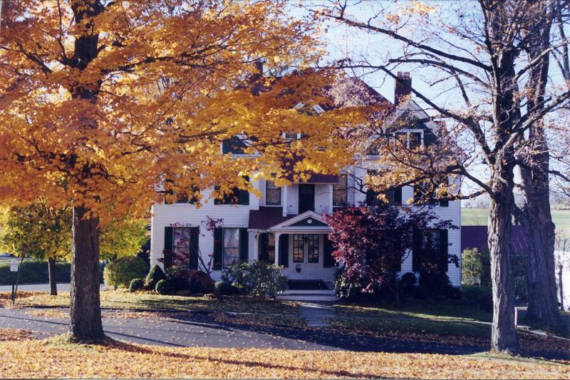 1887 Victorian in Montrose, Pennsylvania - OldHouses.com