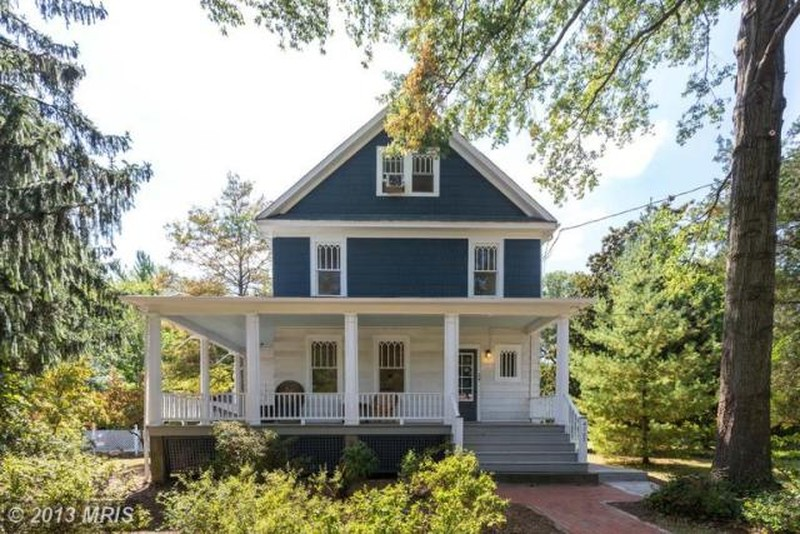 1915 Victorian Queen Anne In College Park Maryland