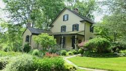 1800 Farmhouse photo