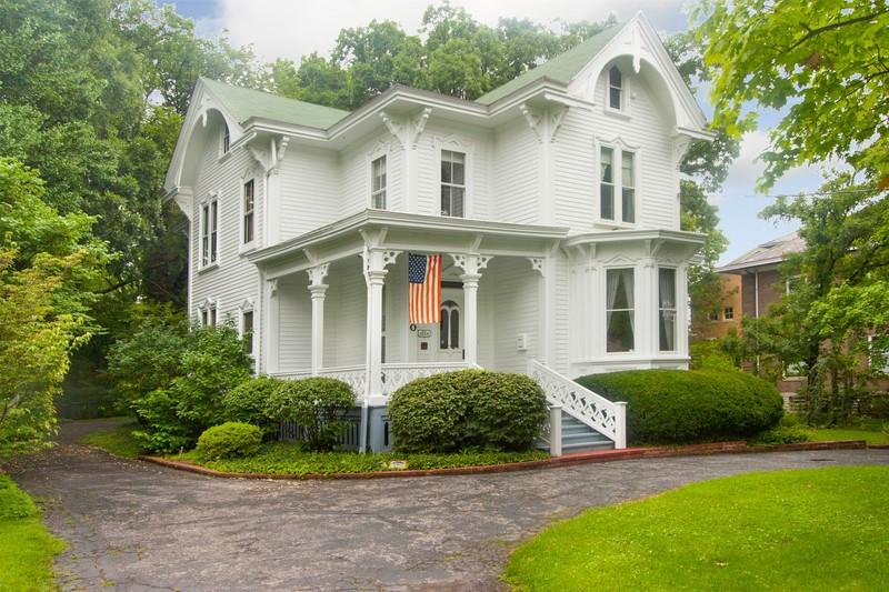 1868 Italianate The George House home in Cincinnati