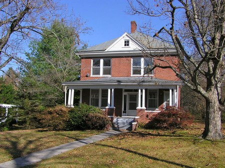 Historic homes for sale rent or auction for American foursquare homes for sale