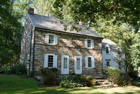 1812 Farmhouse photo