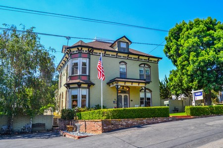 Historic homes for sale rent or auction featured for Italianate homes for sale