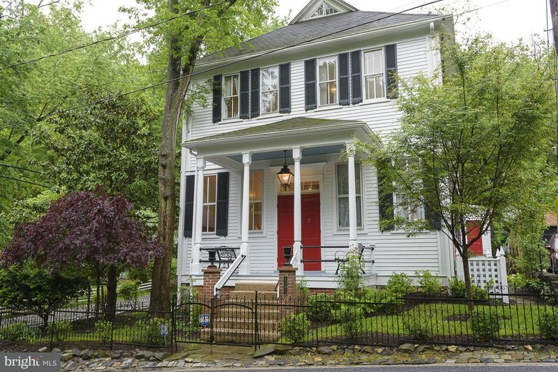 Historic Gem in vibrant urban community