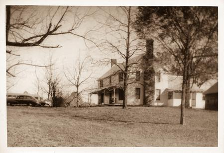 1800 Farmhouse photo
