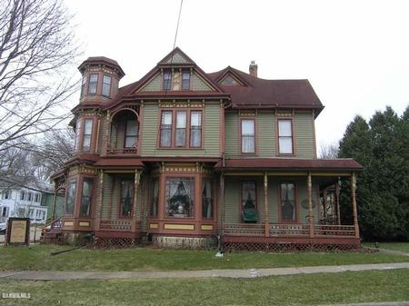 1891 Victorian: Queen Anne photo