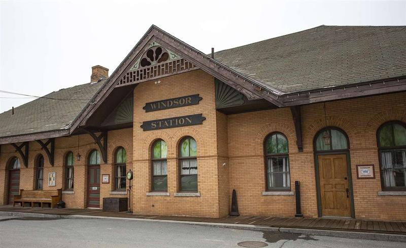 Windsor Station Restaurant Front View