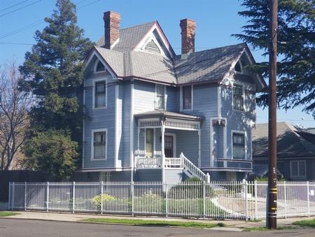 1900 Victorian: Queen Anne photo