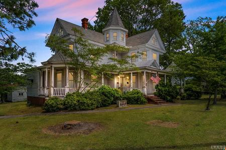 1904 Victorian: Queen Anne photo