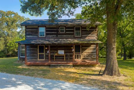1880 Log Home photo