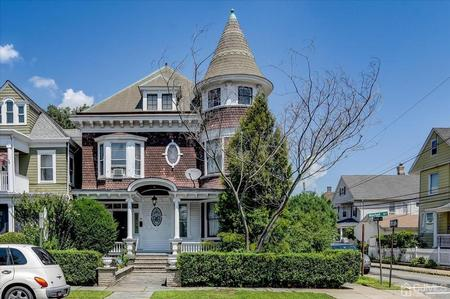 1907 Victorian: Queen Anne photo