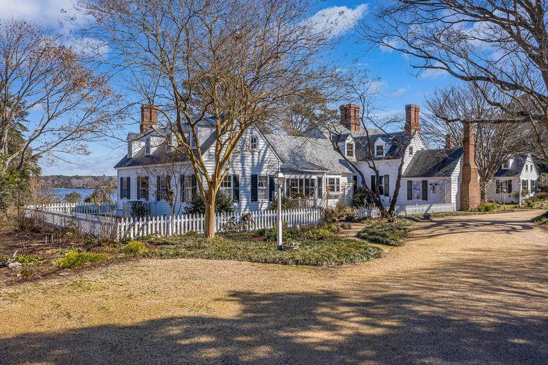 Dunham Massie, circa 1845 w/Additions on Private 51 Acre Peninsula