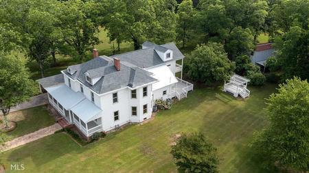 1905 Colonial Farmhouse photo